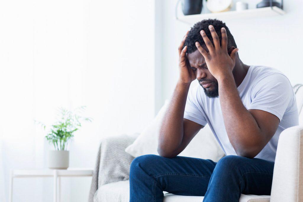 pessoa tendo crise de ansiedade
