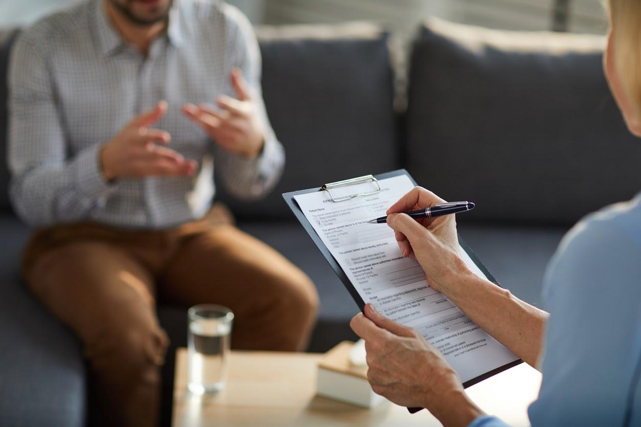 Quando Procurar um Psiquiatra: Saiba como o profissional pode ajudar