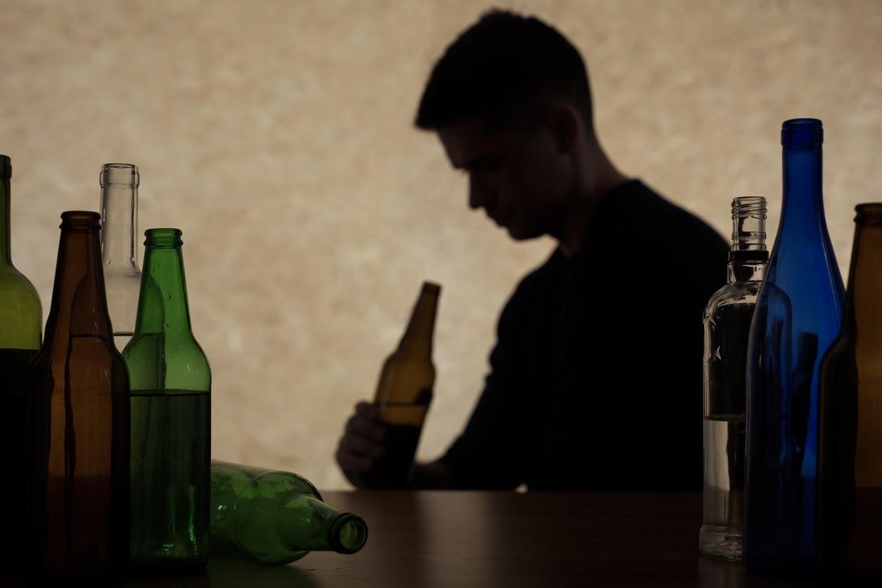 Sintomas de alcoolismo: Como conseguir identificá-los?